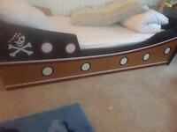 Toddler pirate ship bed