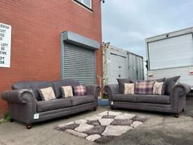 Absolutely immaculate Chesterfield alike sofas 3&2 delivery sofa suite couch furniture