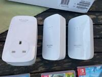Tp-link powerlines x 3 gigabit 1200 in great condition