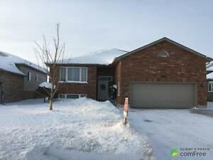 $369,000 - Raised Bungalow for sale in Listowel