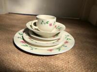 20 piece tableware set