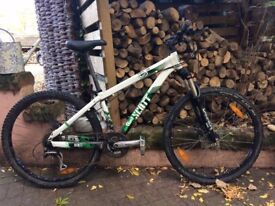 Mountain Bike - Scott Voltage YZ-35