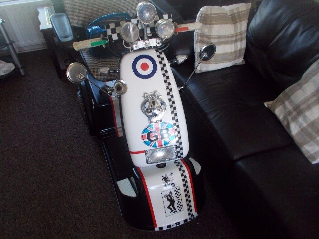Fab Mobility Scooter 8mph styledlike a lambretta L@@K :)