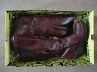 Fly Yind Boots - Purple, size 39. £50