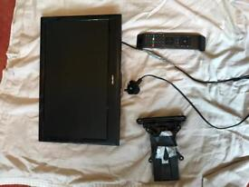 19 inch bush tv with remote and wall mount 2x hdmi freeview