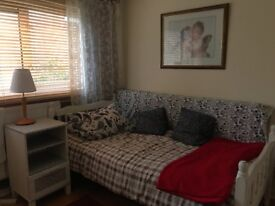 Big double room in family house Hanwell £115pw