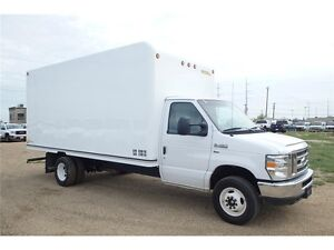 2016 Ford E-450 16 ft Cube Van, 19,152 KMs, UNICELL Body Edmonton Edmonton Area image 4