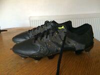 Men's adidas football boots 9.5