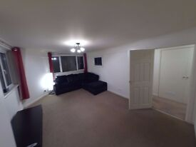 Large (58m2), bright 2 bed city centre flat for rent 16th May