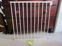 Child baby no trip bar safety gate