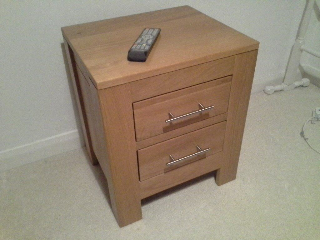 Milano 2 Drawer Bedside Chest - Excellent Condition - £120 (typically retails at £260)