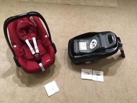 Maxi cosi pebble car seat and family fix ISO fix base