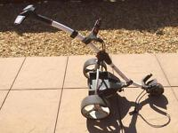 Motocaddy S1 electric buggy with bag