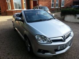 Top of the range Vauxhal Tigra 2008 with Bluetooh and Parking Sensors