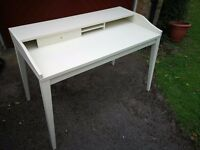 SUPERB STYLISH WHITE HOME OFFICE DESK.