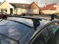 Thule Roof Bars & Mounting Kit for Ford Focus Mk II