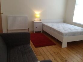 large double room in homely friendly young prof house