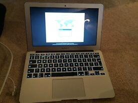 Apple MacBook Air 11 Early 2014 -1.4Ghz - Intel Core i5 - 128GB SSD - 4GB RAM
