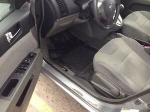 2009 Nissan Sentra 2.0 NO ACCIDENTS! LOW KMS London Ontario image 11