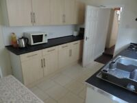 Flora Street , Cathay`s 4 bed Student Terraced House , 2 Bathrooms . Half Rent July/ August