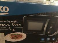 Brand new Beko retro 20litre digital microwave