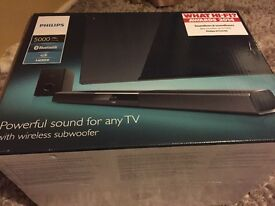 AWARD WINNING PHILIPS SOUND BAR IN AS NEW CONDITION WITH BOX AND REMOTE