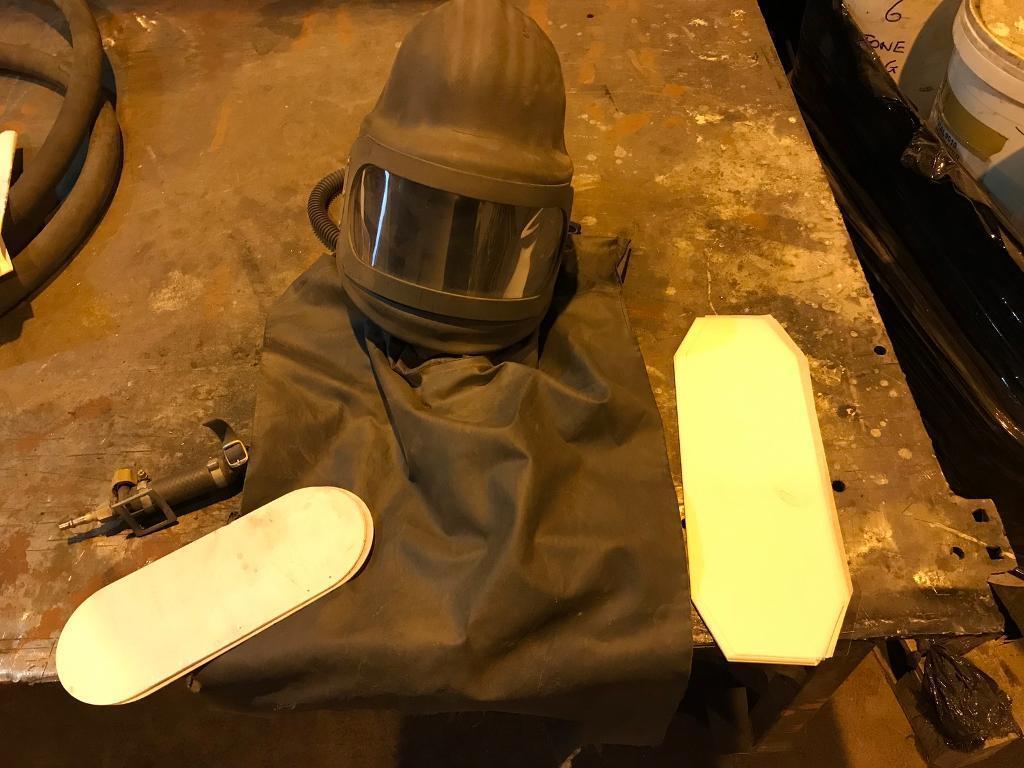 Shot blasting helmetin Greenside, Tyne and WearGumtree - Air fed shot blasting helmet, apron with spare screen & protective covers