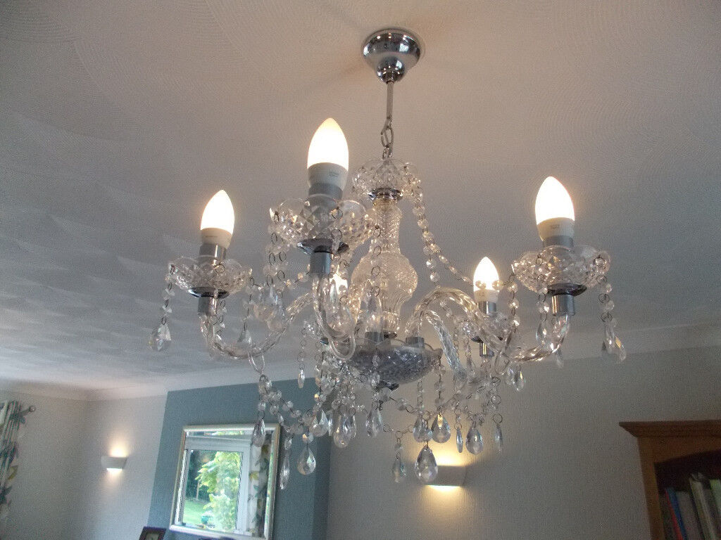 CONTEMPORARY PAIR OF STUNNING CHANDELIERS