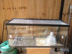 "36"" Reptile/Tortoise Vivarium With Heat Lamp and Heat Pad"
