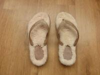 UGG Womens Sandals