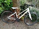 Ladies Bike - Giant Hybrid - Escape W - Liv 2 - Small frame