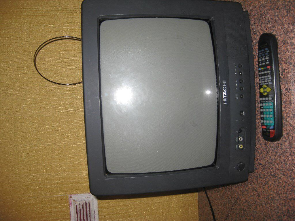 Hitachi Tv (old type) with freeview box £22.