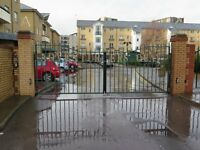 Beautifull 3 Bedroom Townhouse in a Gated Community in Adventurers Quay Cardiff Bay. £950 Pcm