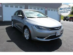 2016 Chrysler 200 Limited! Power Seat! Back up Cam!