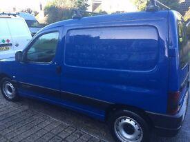 Lovely little clean van