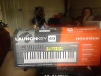 Novation Launch Key 49 Comes With USB Cable No Plug Required