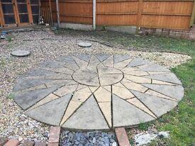 Circular patio paving