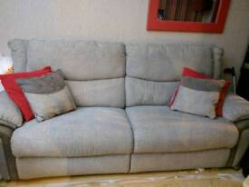 La-z-boy couch for sale GREAT PRICE !