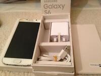 Samsung Galaxy S6 White 32GB (EE Network) Cracked Screen works okay
