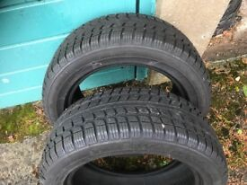 Snow tyres as new