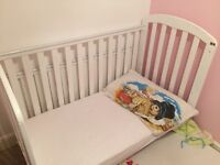 Fixed side white cot