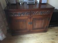 Antique appearance drinks cabinet