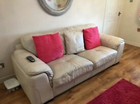 3 Seater leather sofa & cuddle chair