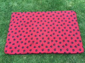 Large memory foam dog bed in very good condition