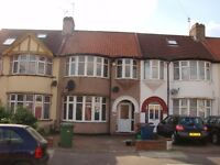 KL088-Lovely 3-4 bedroom family home on quiet residential road of Kenton/Kingsbury