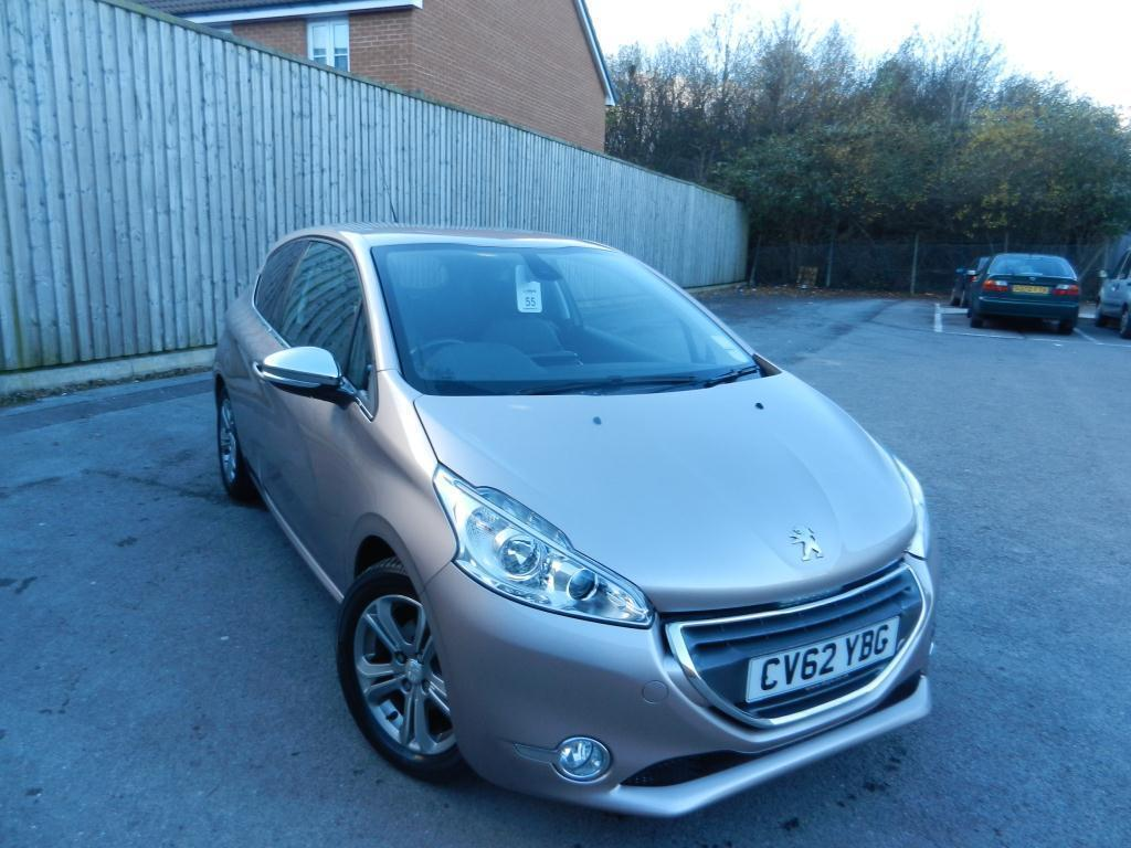 peugeot 208 1 4 vti allure 3dr pink 2012 11 13 in penylan cardiff gumtree. Black Bedroom Furniture Sets. Home Design Ideas
