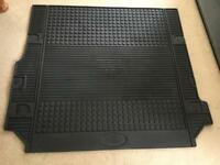 Genuine Land Rover Discovery 3 & 4 rubber boot mat - brand new