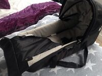 Baby jogger carrycot with buggy fixings