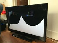 Poloroid tv 42 inch with cracked screen with 2 hdmi ports