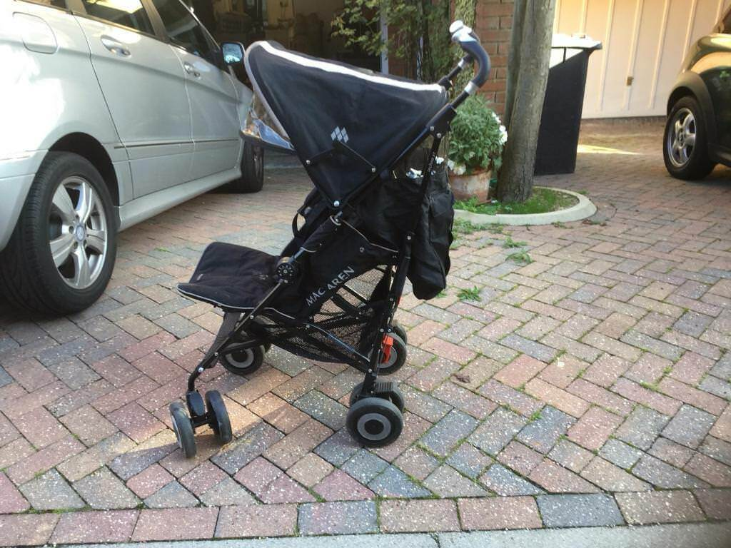 MACLAREN PUSHCHAIR USED VERY GOOD CONDITION £100